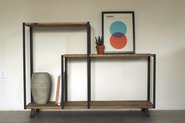 Handgefertigtes Sideboard aus Holz