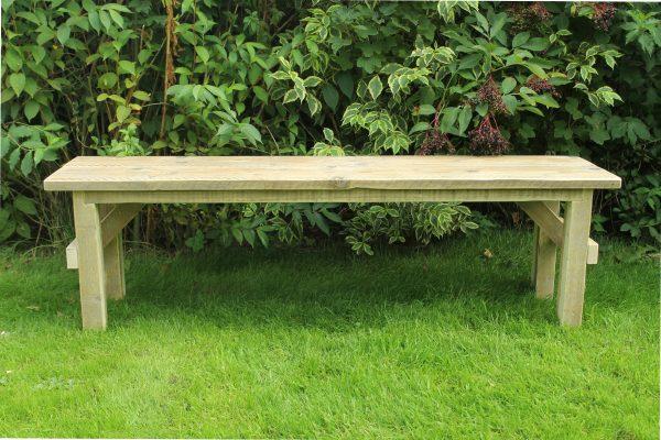 Holzbank für den Garten